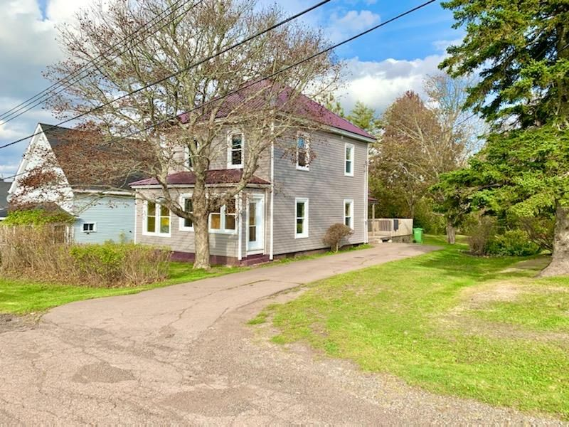 Main Photo: 3 McKay Street in Springhill: 102S-South Of Hwy 104, Parrsboro and area Residential for sale (Northern Region)  : MLS®# 202020929