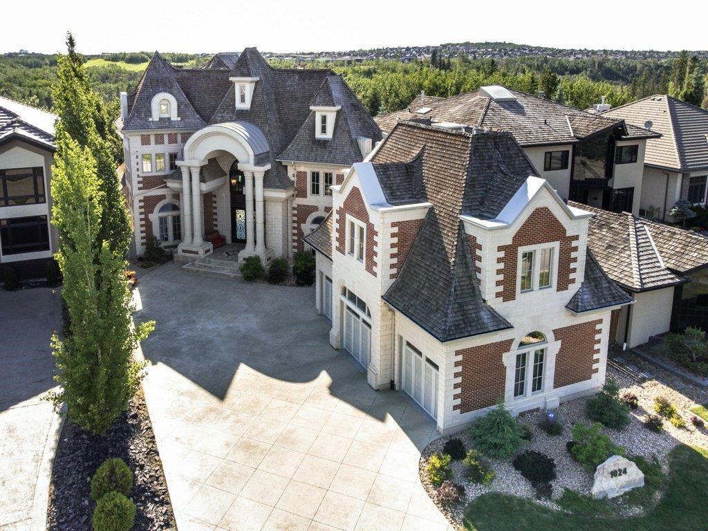 Main Photo: 1024 119 Street in Edmonton: Zone 16 House for sale : MLS®# E4251287