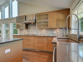 Photo 11: 3182 Wessex Close in : OB Henderson House for sale (Oak Bay)  : MLS®# 883456