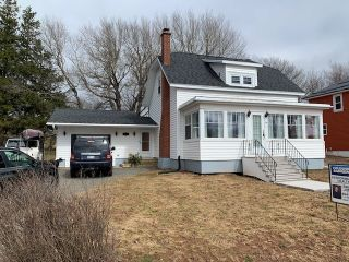 Photo 1: 54 Mechanic Street in Springhill: 102S-South Of Hwy 104, Parrsboro and area Residential for sale (Northern Region)  : MLS®# 202108261