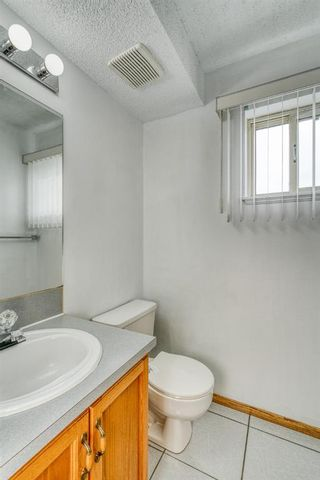 Photo 15: 8B Beaver Dam Place NE in Calgary: Thorncliffe Semi Detached for sale : MLS®# A1145795
