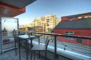 """Photo 11: 304 123 W 1ST Avenue in Vancouver: False Creek Condo for sale in """"COMPASS"""" (Vancouver West)  : MLS®# R2554885"""