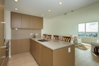 "Photo 3: 704 112 E 13TH Street in North Vancouver: Lower Lonsdale Condo for sale in ""CENTREVIEW"" : MLS®# R2243856"