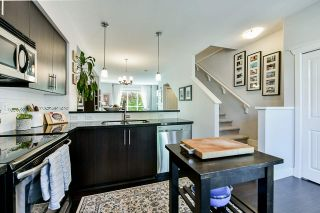 """Photo 12: 8 15405 31 Avenue in Surrey: Grandview Surrey Townhouse for sale in """"Nuvo 2"""" (South Surrey White Rock)  : MLS®# R2476229"""