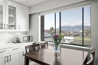 "Photo 1: 307 2080 MAPLE Street in Vancouver: Kitsilano Condo for sale in ""Maple Manor"" (Vancouver West)  : MLS®# R2562068"