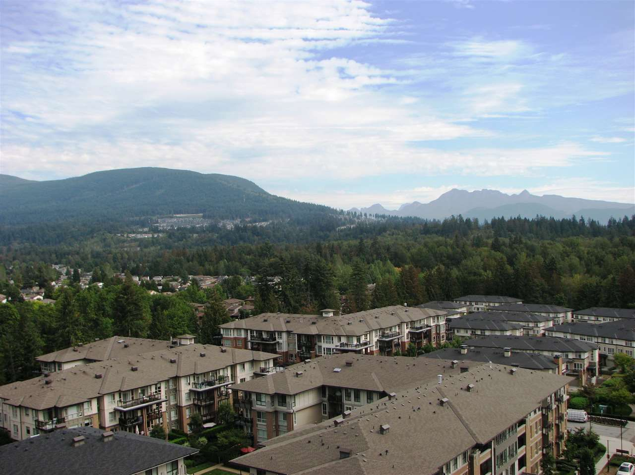 "Main Photo: 1306 3100 WINDSOR Gate in Coquitlam: New Horizons Condo for sale in ""LLOYD"" : MLS®# R2308166"