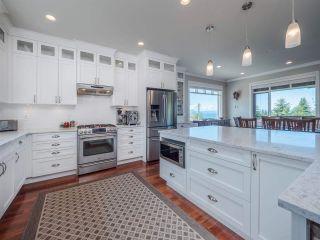 Photo 8: 4980 LAUREL Avenue in Sechelt: Sechelt District House for sale (Sunshine Coast)  : MLS®# R2589236