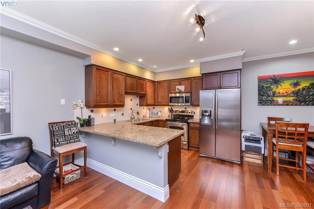 Photo 3: Photos: 307 755 Goldstream Ave in VICTORIA: La Langford Proper Condo for sale (Langford)  : MLS®# 785553