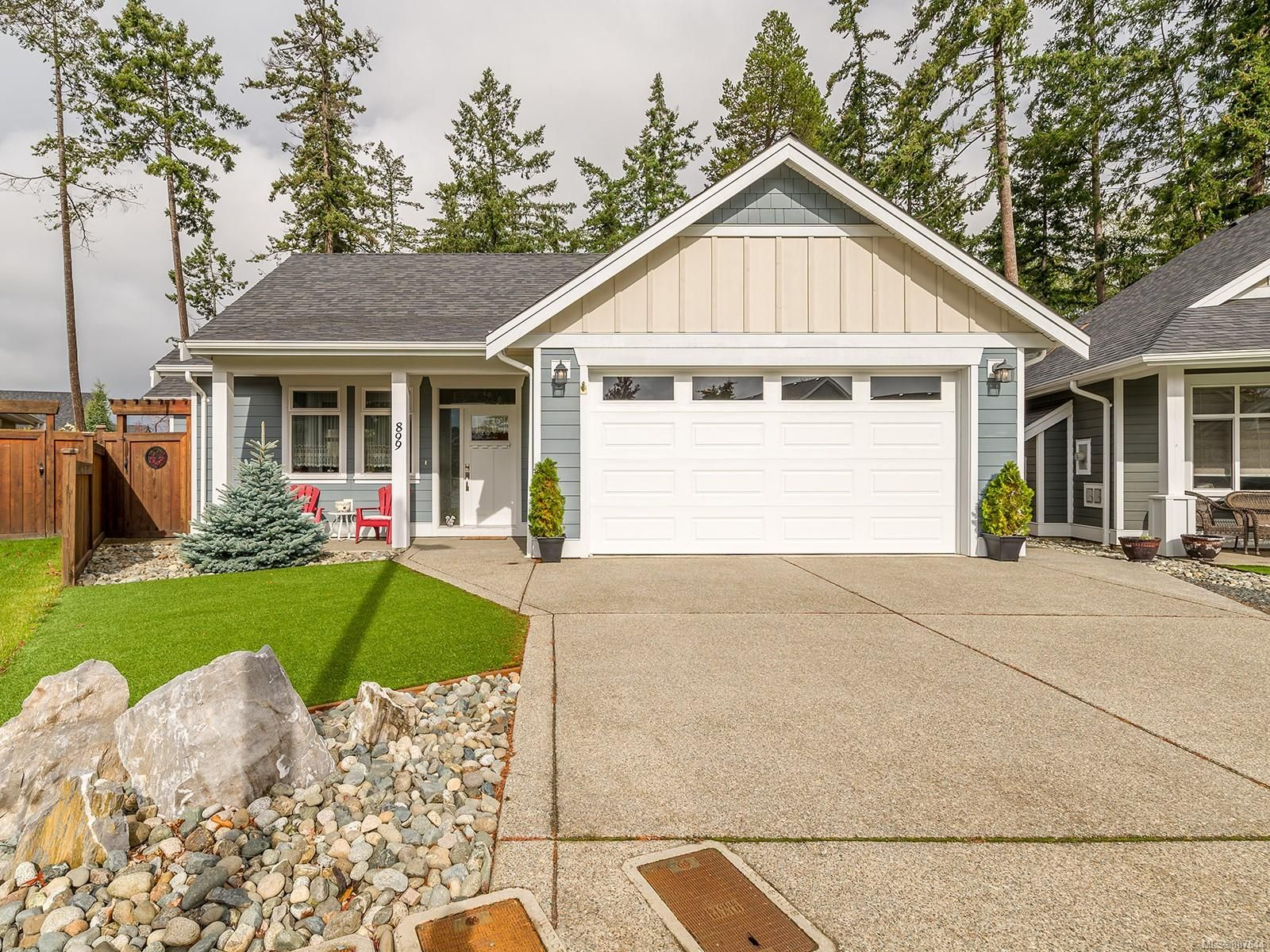 Main Photo: 899 Parkside Cres in : PQ Parksville House for sale (Parksville/Qualicum)  : MLS®# 887644