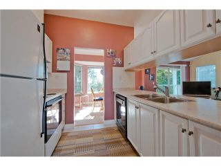 "Photo 3: # 812 8972 FLEETWOOD WY in Surrey: Fleetwood Tynehead Townhouse for sale in ""Park Ridge Gardens"" : MLS®# F1316936"