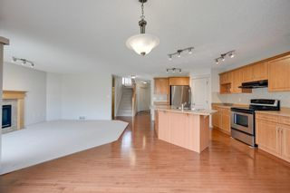 Photo 6: 1608 HODGSON Court in Edmonton: Zone 14 House for sale : MLS®# E4247502