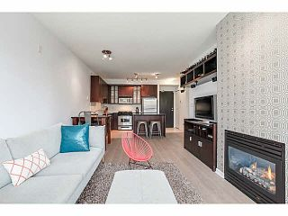 """Photo 3: 214 170 W 1ST Street in North Vancouver: Lower Lonsdale Townhouse for sale in """"ONE PARK LANE"""" : MLS®# V1109526"""
