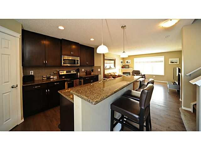 Main Photo: 14 COUNTRY VILLAGE Gate NE in CALGARY: Country Hills Village Townhouse for sale (Calgary)  : MLS®# C3578013