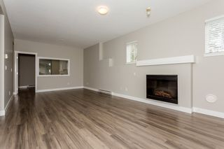 """Photo 6: 17 5839 PANORAMA Drive in Surrey: Sullivan Station Townhouse for sale in """"Forest Gate"""" : MLS®# R2046887"""