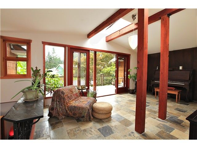 Photo 3: Photos: 2550 SECHELT Drive in North Vancouver: Blueridge NV House for sale : MLS®# V965349