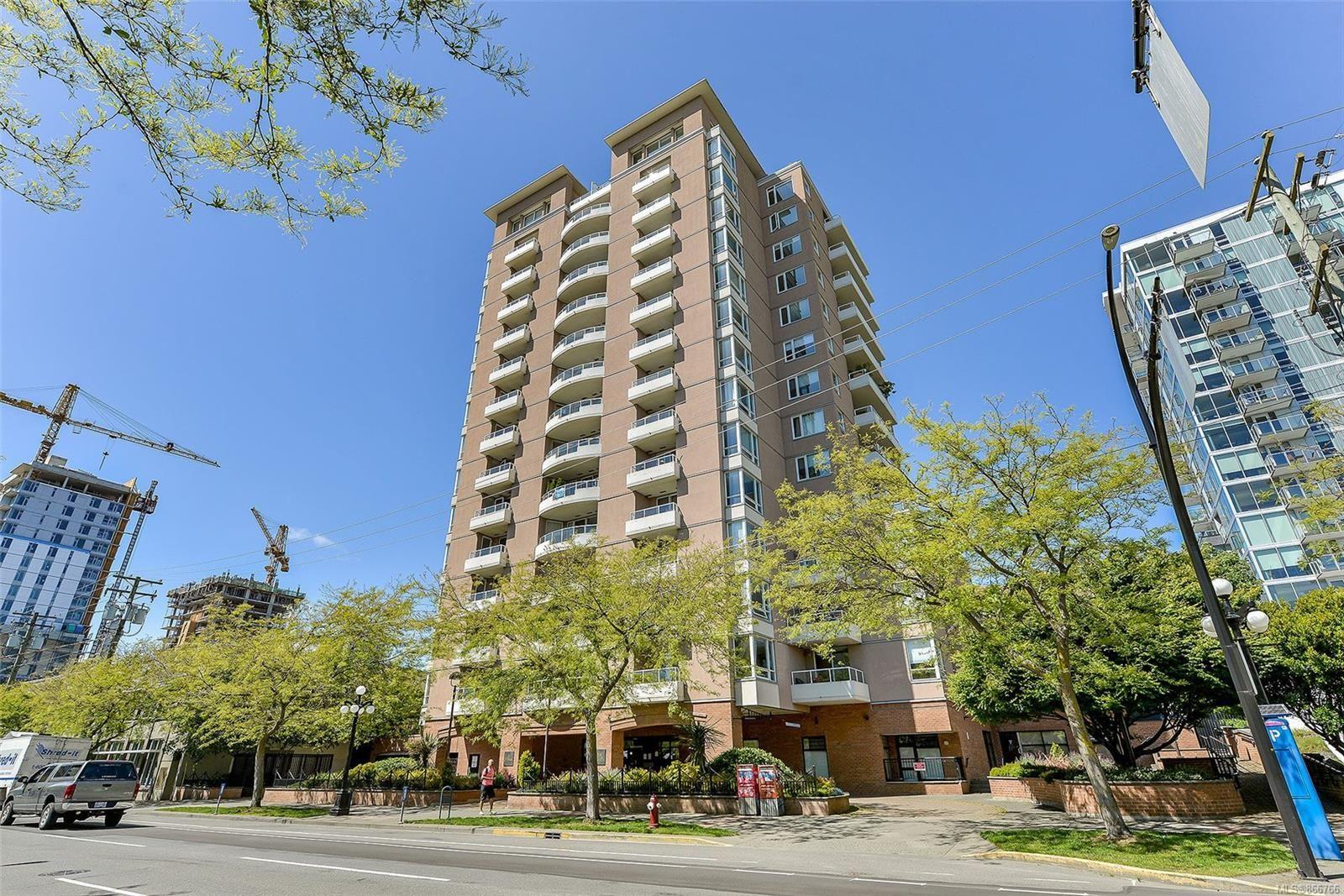 Main Photo: 204 930 Yates St in Victoria: Vi Downtown Condo for sale : MLS®# 866766