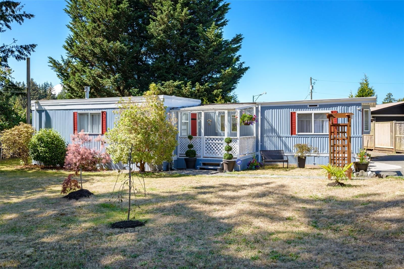 Main Photo: 1863 Singing Sands Rd in : CV Comox Peninsula House for sale (Comox Valley)  : MLS®# 853932