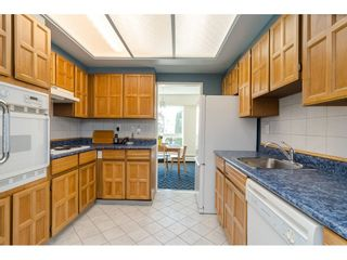 """Photo 6: 104 1322 MARTIN Street: White Rock Condo for sale in """"Blue Spruce"""" (South Surrey White Rock)  : MLS®# R2441551"""
