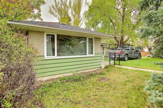 Photo 3: 299 Northmount Drive NW in Calgary: Thorncliffe Detached for sale : MLS®# A1112081