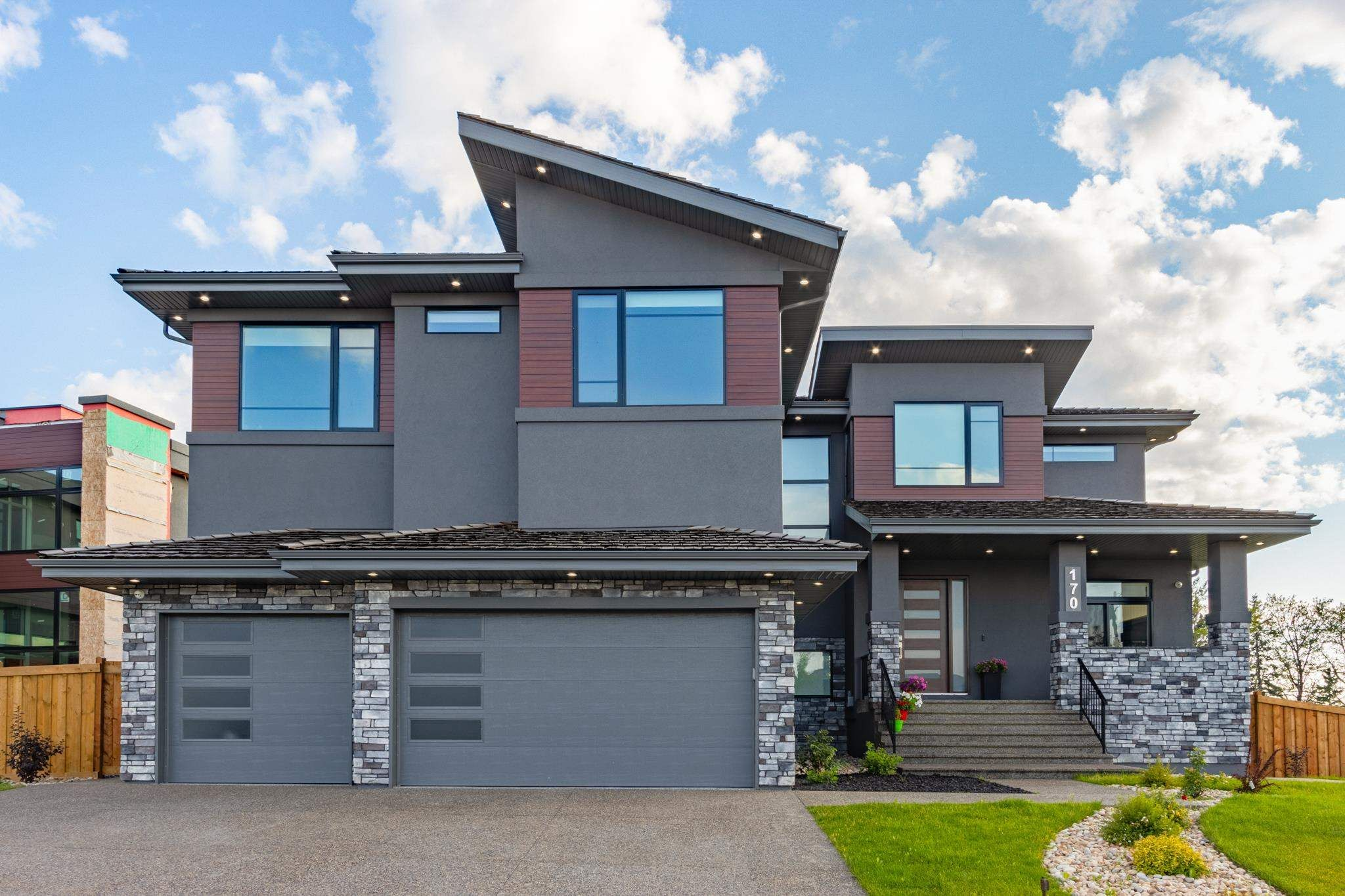 Main Photo: 170 52327 RGE RD 233: Rural Strathcona County House for sale : MLS®# E4255384