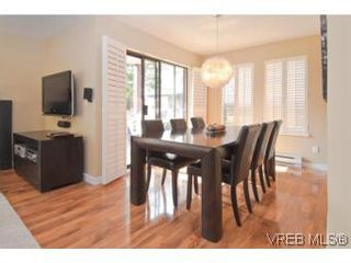 Photo 4: 103 837 Selkirk Ave in VICTORIA: Es Kinsmen Park Condo for sale (Esquimalt)  : MLS®# 547296