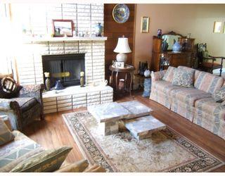 """Photo 3: 4288 WINDSOR Street in Vancouver: Fraser VE House for sale in """"FRASER"""" (Vancouver East)  : MLS®# V788976"""