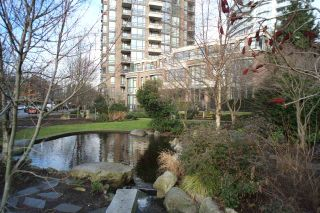"""Photo 15: 162 W 1ST Street in North Vancouver: Lower Lonsdale Townhouse for sale in """"ONE PARK LANE"""" : MLS®# R2024415"""