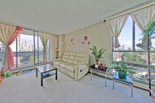 """Photo 3: 903 6759 WILLINGDON Avenue in Burnaby: Metrotown Condo for sale in """"Balmoral On the Park"""" (Burnaby South)  : MLS®# R2558756"""