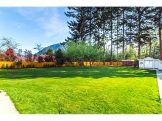 Photo 2: 35629 CRAIG Road in Mission: Hatzic House for sale : MLS®# R2057077
