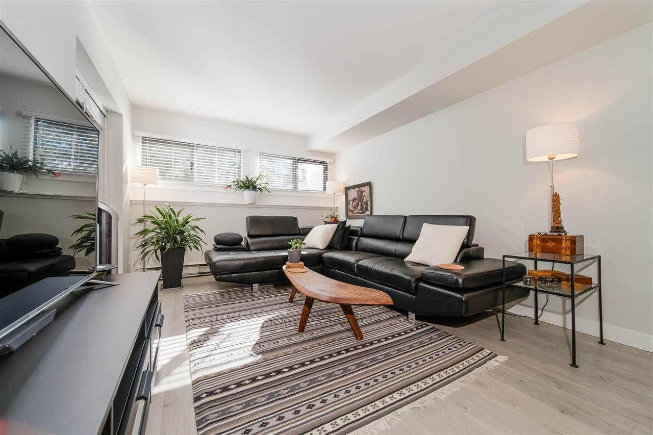 """Main Photo: 308 1477 FOUNTAIN Way in Vancouver: False Creek Condo for sale in """"Fountain Terrace"""" (Vancouver West)  : MLS®# R2543582"""
