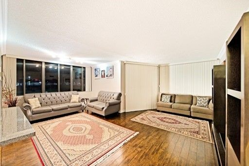 Main Photo: 101 50 E Elm Drive in Mississauga: Mississauga Valleys Condo for sale : MLS®# W3447058