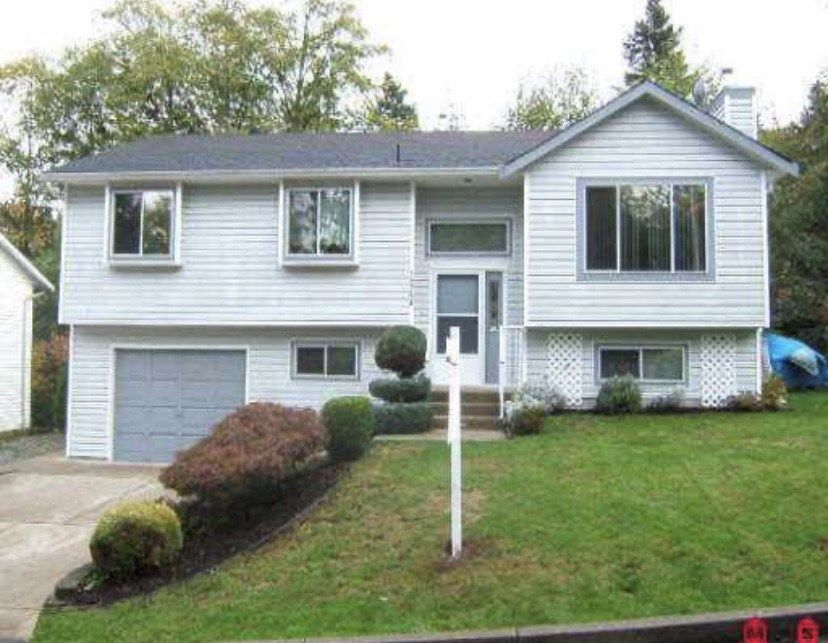 Main Photo: 19756 50 Avenue: House for sale in Langley: MLS®# R2494158