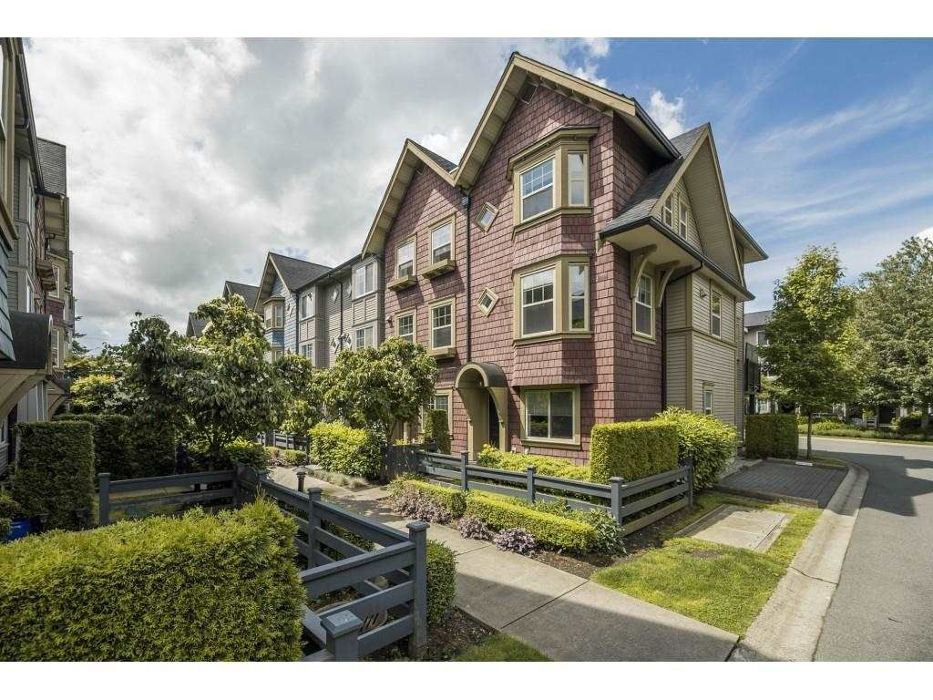 """Main Photo: 33 6450 187 Street in Surrey: Cloverdale BC Townhouse for sale in """"Hillcrest"""" (Cloverdale)  : MLS®# R2593415"""