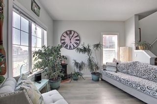 Photo 3: 705 Jumping Pound Common: Cochrane Row/Townhouse for sale : MLS®# A1124366