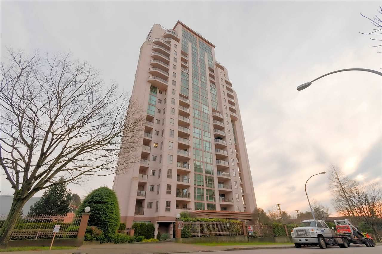 """Main Photo: 401 612 FIFTH Avenue in New Westminster: Uptown NW Condo for sale in """"The Fifth Avenue"""" : MLS®# R2391057"""