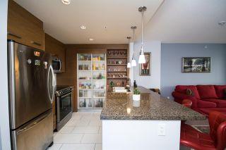 Photo 2: 1706 2959 GLEN Drive in Coquitlam: North Coquitlam Condo for sale : MLS®# R2245036