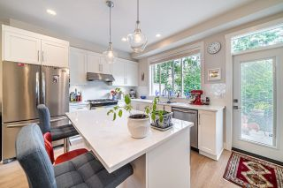 """Photo 6: 1 15717 MOUNTAIN VIEW Drive in Surrey: Grandview Surrey Townhouse for sale in """"Olivia"""" (South Surrey White Rock)  : MLS®# R2610838"""
