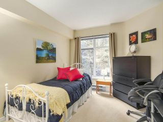 """Photo 12: 206 1144 STRATHAVEN Drive in North Vancouver: Northlands Condo for sale in """"Strathaven"""" : MLS®# R2217915"""