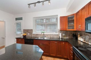 Photo 13: 19 55 HAWTHORN DRIVE in Port Moody: Heritage Woods PM Townhouse for sale : MLS®# R2048256