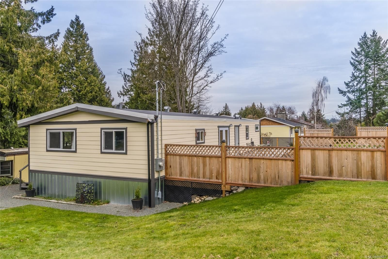 Main Photo: 6960 Peterson Rd in : Na Lower Lantzville House for sale (Nanaimo)  : MLS®# 869667