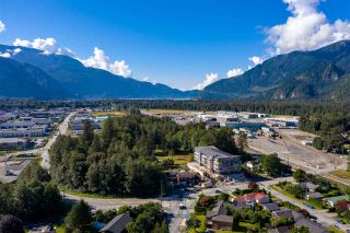 Photo 6: 1 39666 GOVERNMENT Road in Squamish: Northyards Office for sale : MLS®# C8033225