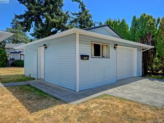 Photo 2: 3053 Chantel Pl in VICTORIA: Co Hatley Park House for sale (Colwood)  : MLS®# 766180