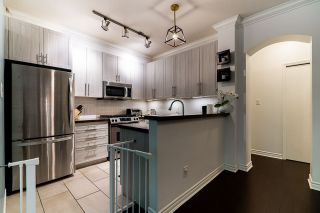 "Photo 13: 2 6878 SOUTHPOINT Drive in Burnaby: South Slope Townhouse for sale in ""Cortina Townhomes"" (Burnaby South)  : MLS®# R2487318"
