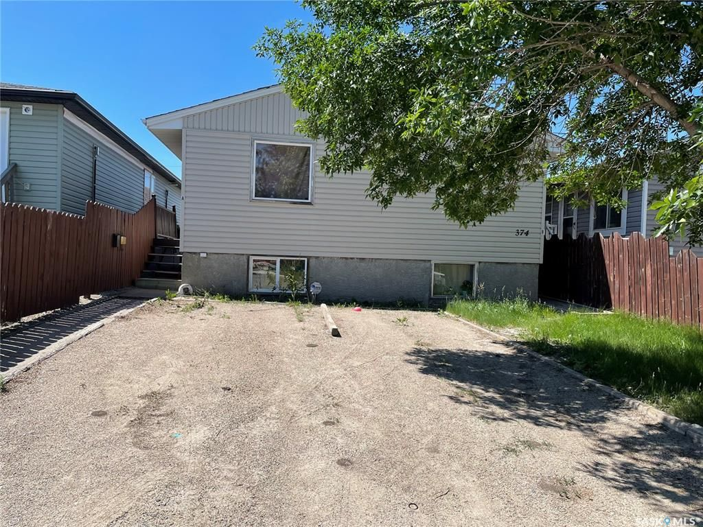 Main Photo: 374 Montreal Street in Regina: Churchill Downs Residential for sale : MLS®# SK867593
