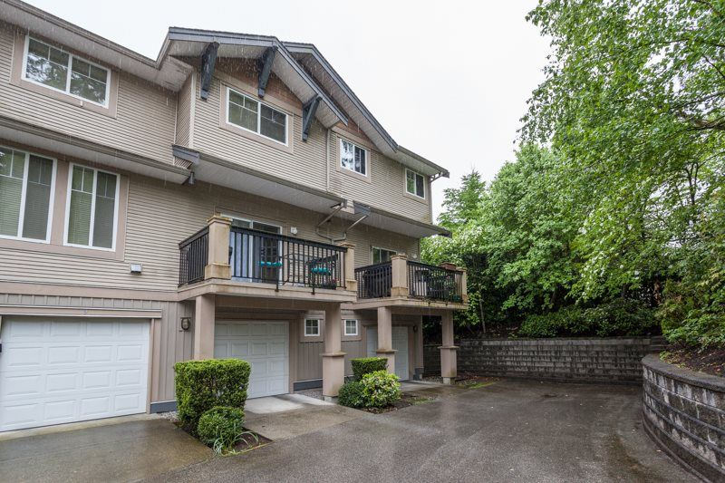 """Main Photo: 10 5839 PANORAMA Drive in Surrey: Sullivan Station Townhouse for sale in """"FOREST GATE"""" : MLS®# R2166965"""