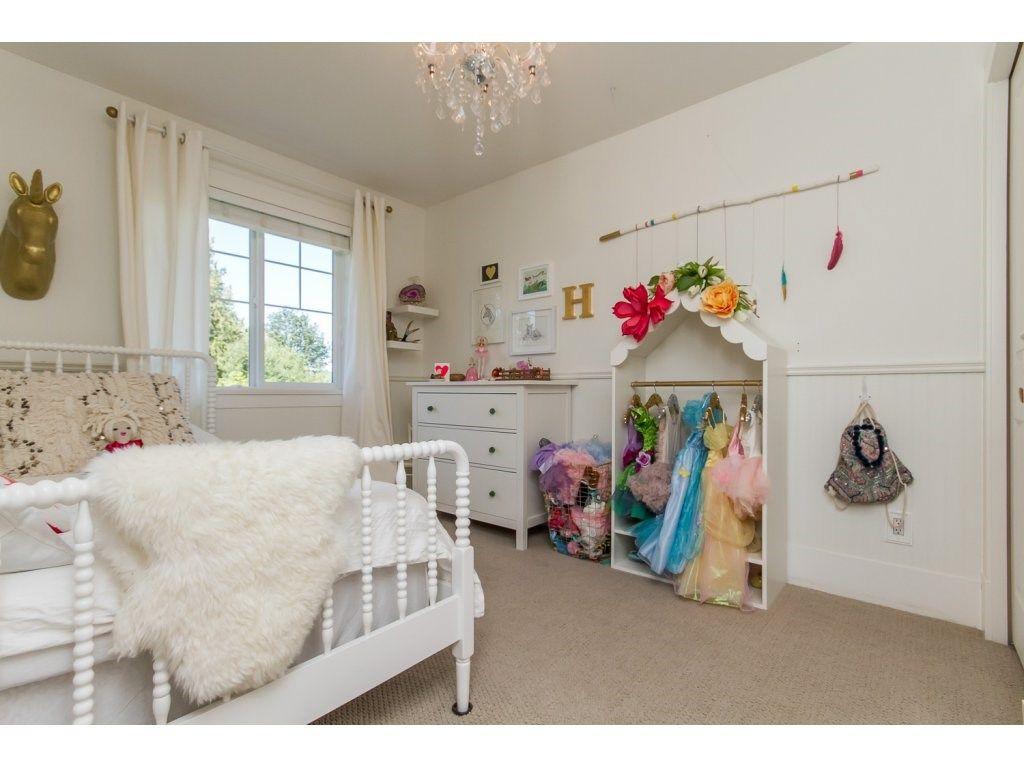 Photo 12: Photos: 4354 BLAUSON Boulevard in Abbotsford: Abbotsford East House for sale : MLS®# R2096025