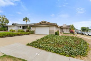 Photo 3: House for sale : 3 bedrooms : 5023 Fanuel Street in San Diego