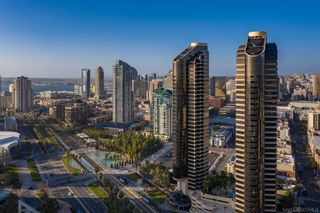 Photo 4: DOWNTOWN Condo for sale : 2 bedrooms : 200 Harbor Dr #2402 in San Diego