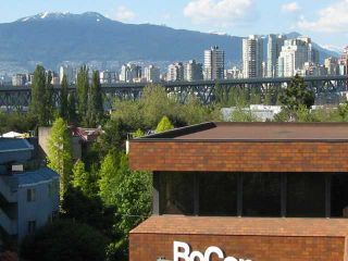 """Photo 1: 1296 W 6TH Avenue in Vancouver: Fairview VW Townhouse for sale in """"VANDERLEE COURT"""" (Vancouver West)  : MLS®# V830234"""