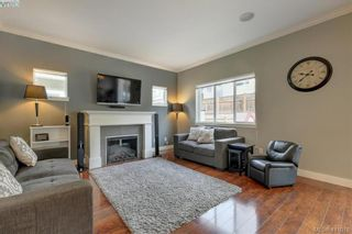 Photo 2: 1218 Parkdale Creek Gdns in VICTORIA: La Westhills House for sale (Langford)  : MLS®# 814828